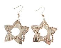 Se mere om Øreringe med to stjerner i sølv  i web-butikken