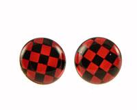Se mere om Runde ørestikker med sort og rødt ternet mønster i web-butikken