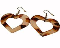 Se mere om Øreringe med hjerter i brunlige og lyse farver i web-butikken