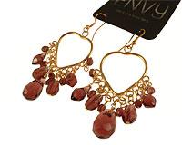 Se mere om ENVY øreringe med hjerter i guld i web-butikken