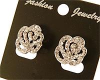 Se mere om Øreringe med blomster med clips låse i web-butikken