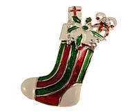 Se mere om Broche med julesok med gaver  i farverne hvid,  rød og grøn i web-butikken