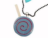 Se mere om Sjov sort halskæde med slikkepind i web-butikken