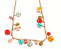 Se mere om ENVY halskæde i guldfarve med flotte glasperler i web-butikken