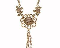 Se mere om Flot ENVY halskæde i guldfarve med tre blomster i web-butikken