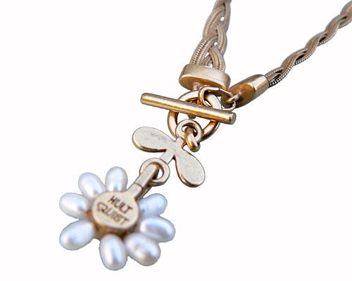 Se mere om halskæder i web-butikken