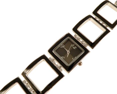 Se mere om smykkeur med firkantet ur og rem i sort farve i web-butikken