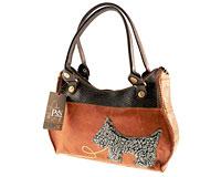 Se mere om PSN håndtaske i brune farver med lille hund i web-butikken