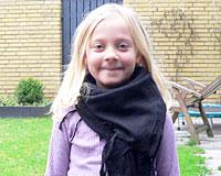 Partisantørklæde i sort farve (TK037)