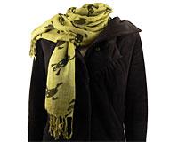 Se mere om Tørklæde i olivengrød farve med sorte dødningehoveder i web-butikken
